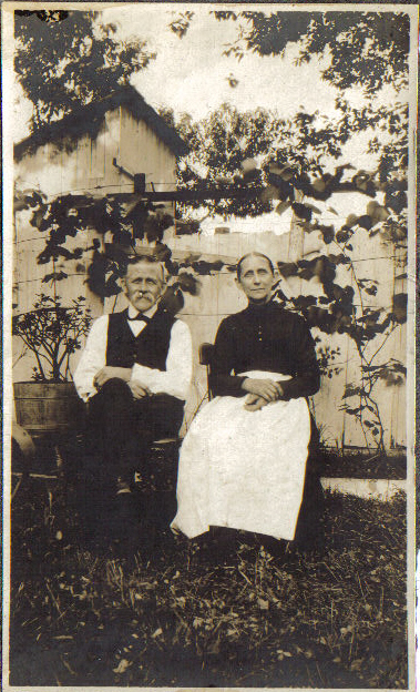 Ephraim and Catharine Auxer Niess in Harrisburg, Penna