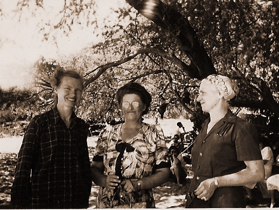 Mother, Grandma Nellie, Grandmother Lindgren, Hawaii