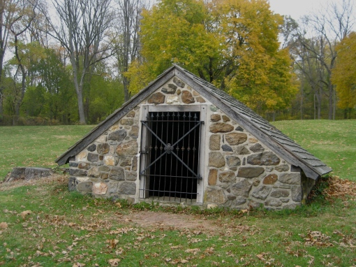 Ring Home Stone Celler